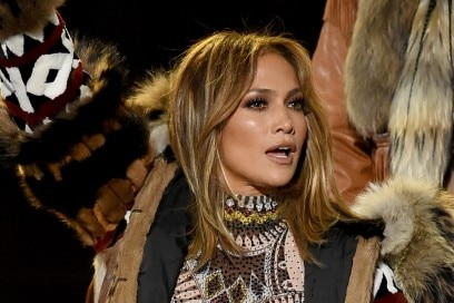 jennifer-lopez-american-music-awards-2015