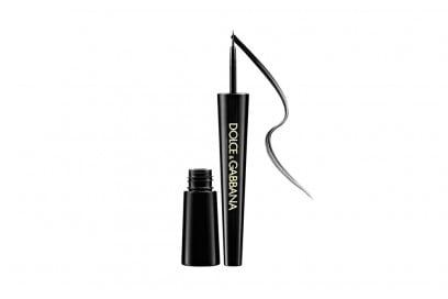 lily-rose-depp-make-up-dolce-gabbana-eyeliner