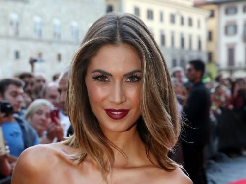 Melissa Satta Capelli Le Acconciature Piu Belle Con Shatush E Onde
