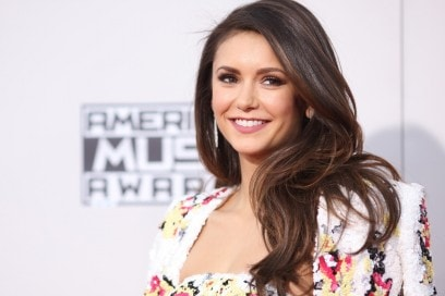 nina-dobrev-american-music-awards-2015