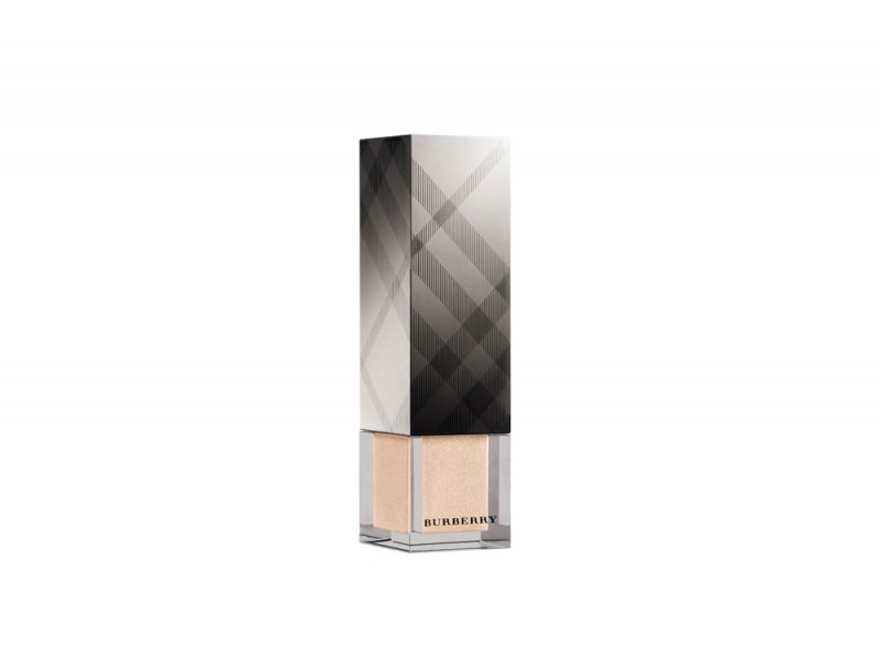 primer-novita-autunno-2015-Burberry-Fresh-Glow-Lumin-Fluid-Base-Nude