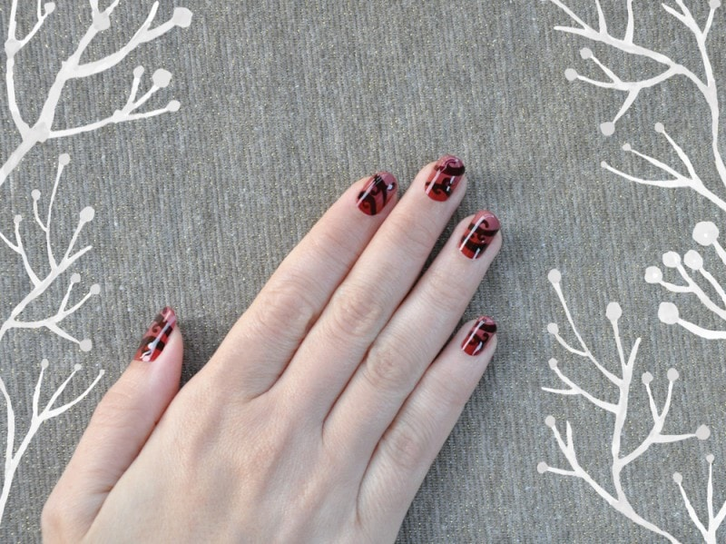 swirls-nail-art