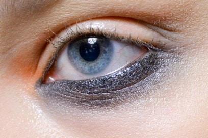 trucco-occhi-smokey-eyes-sfilata-Bibhu-Mohapatra