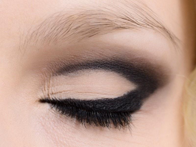 trucco-occhi-smokey-eyes-sfilata-Mark-n-Estel