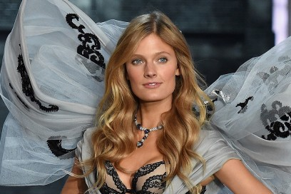 victoria-secret-fashion-show-2015-constance-jablonski