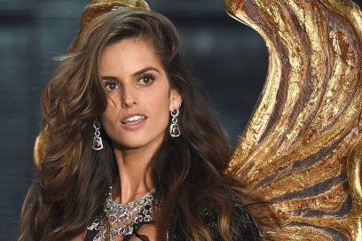 victoria-secret-fashion-show-2015-izabel-goulart