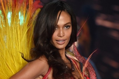 victoria-secret-fashion-show-2015-joan-smalls