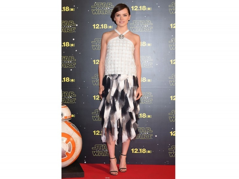 Daisy-RIDLEY_'Star-Wars-VII,-The-Force-Awakens'-Premiere_Thursday,-December-10th_Tokyo,-JAPAN