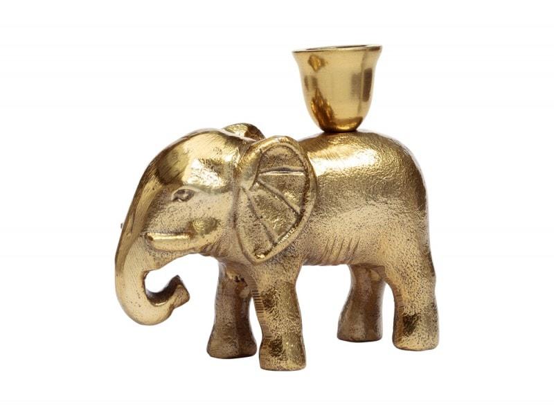 Il candelabro è un elefantino oro