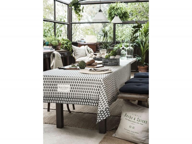La tavola della nuova collezione H&M Home