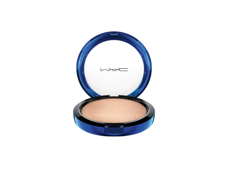 MAC_HolidayColour_MacMagicoftheNight_InExtraDimensionSkinFinish_OhDarling_72dpiCMYK