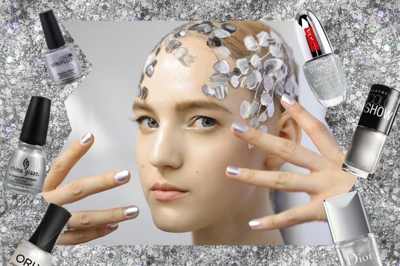 Gli smalti argento per una manicure spaziale
