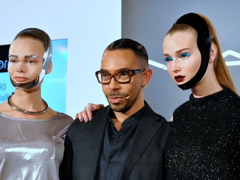 cover-make-up-futuristico-romero-jennings-mobile