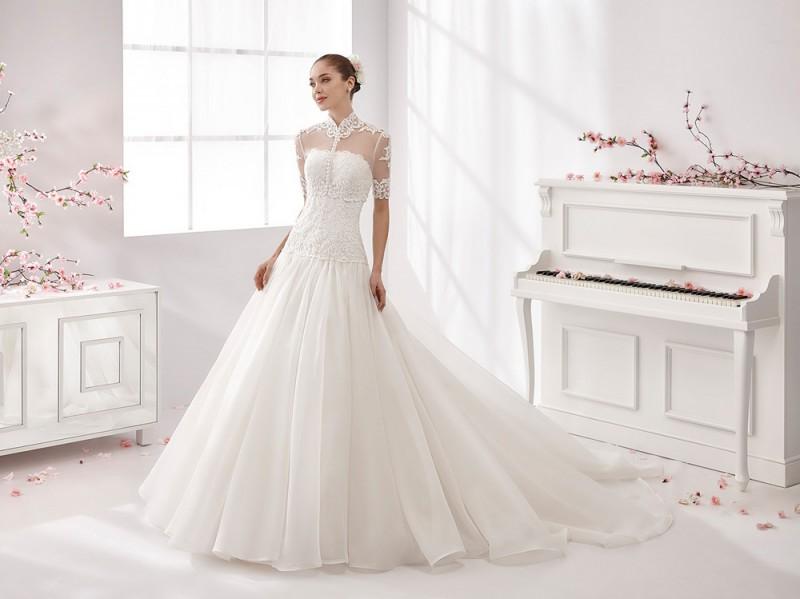 Modelli abiti da sposa anni 80