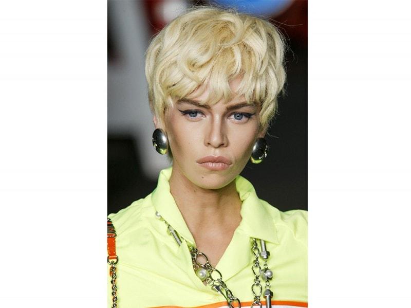 tagli-capelli-primavera-estate-2016-sfilata-Moschino
