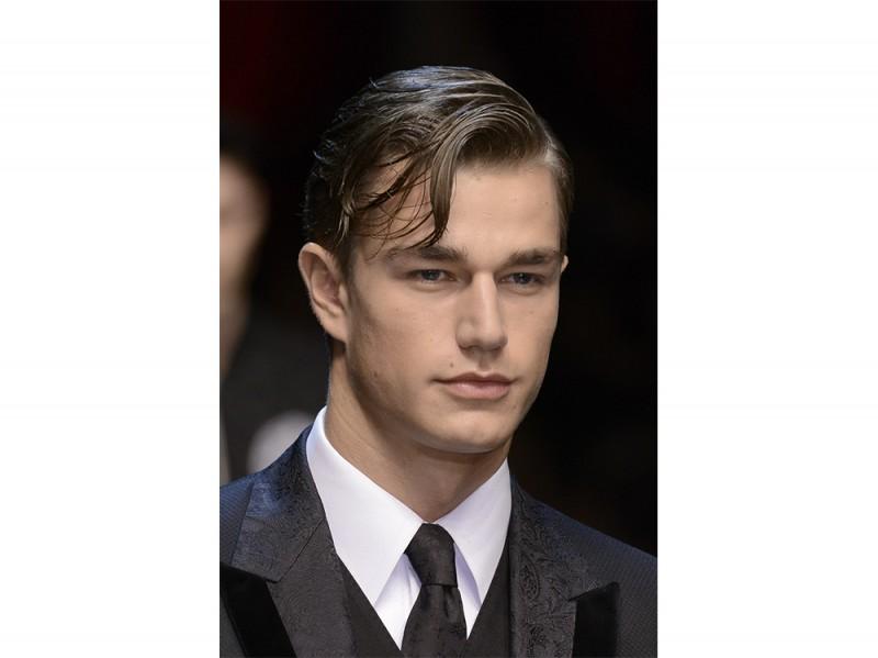 capelli uomo riga laterale
