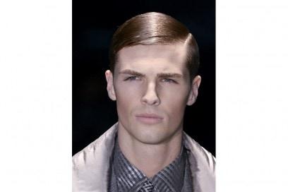 tagli-capelli-uomo-riga-laterale-autunno-inverno-2015-sfilata-Versace