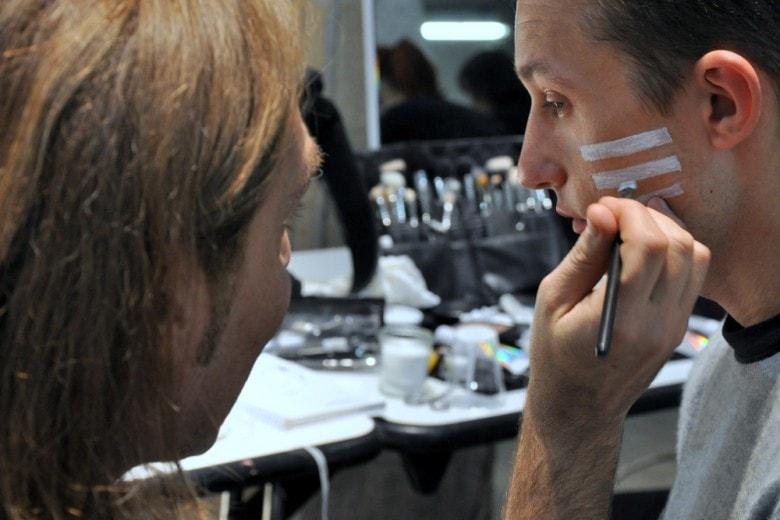 Pitti Immagine Uomo: i backstage dell'Autunno 2016-17 con Mac Cosmetics