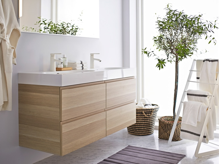 Mobili bagno legno chiaro trendy mobile bagno sospeso for Mobili x bagno ikea