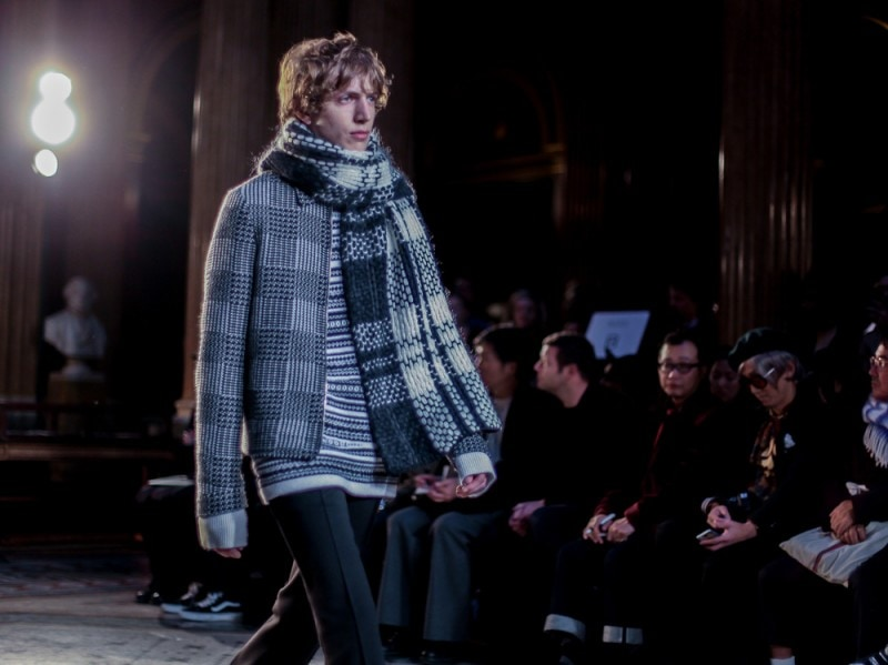 Geometrie-e-sovrapposizioni-da-Pringle-of-Scotland-LCM-AW16-(2-di-2)