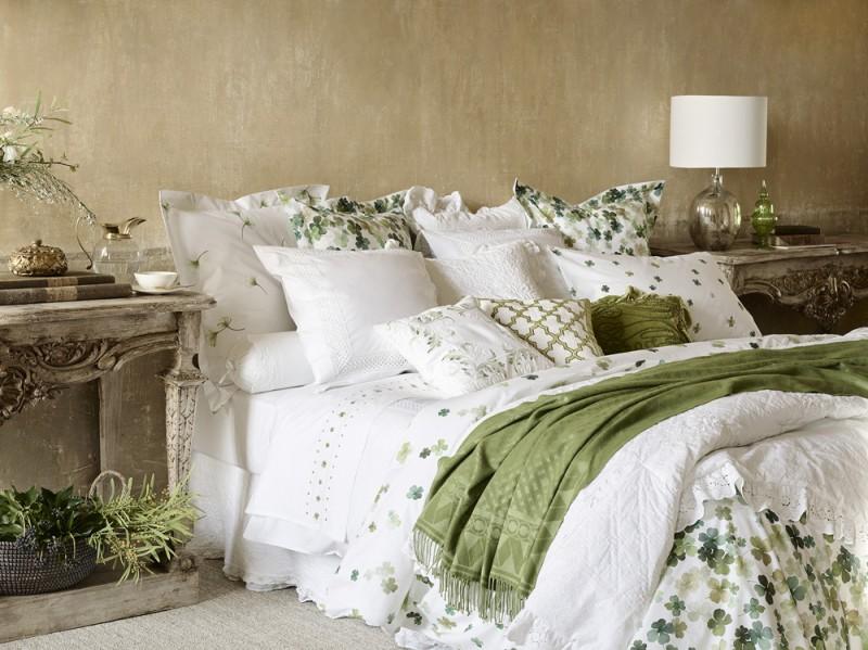 Il letto della collezione Versailles