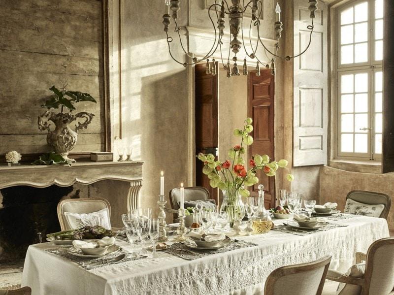 La tavola della collezione Versailles