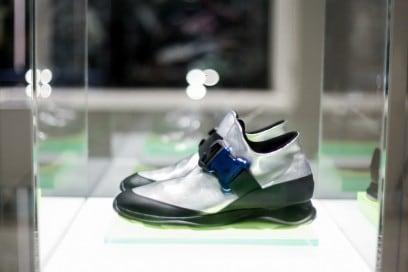 Le-famose-sneakers-di-Christopher-Kane-LCM-AW16-(3-di-3)