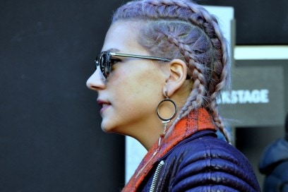 capelli-opal-viola–street-style-milano-2016