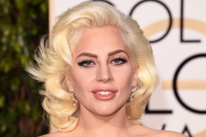 golden-globes-2016-beauty-look-lady-gaga