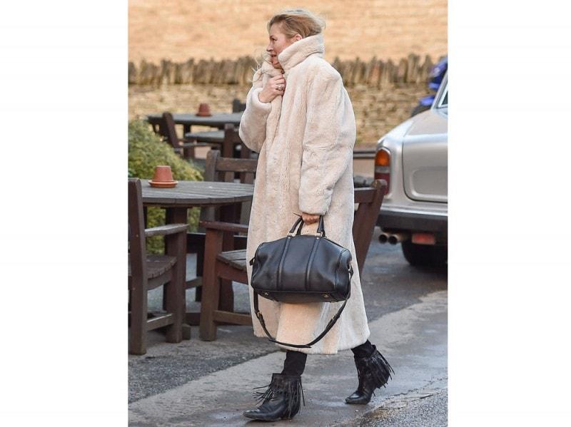 kate-moss-louis-vuitton-sc-satchel