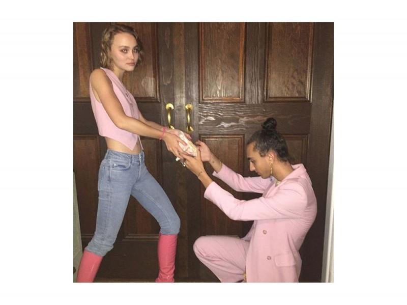 lily-rose-instagram-stivali-rosa