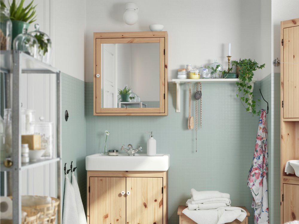 specchio e mobile bagno legno ikea - Foto - Grazia.it