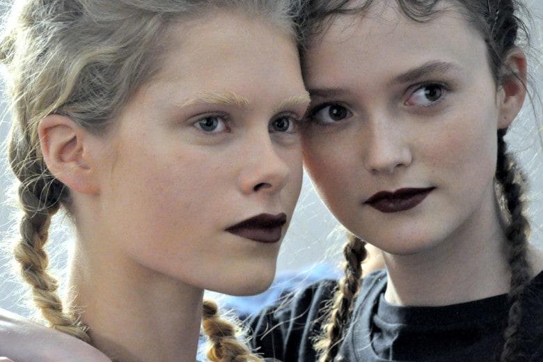 Marco De Vincenzo A/I 2016: il make up tra dark lips e pelle trasparente