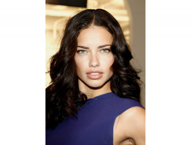 Adriana Lima Make Up 1