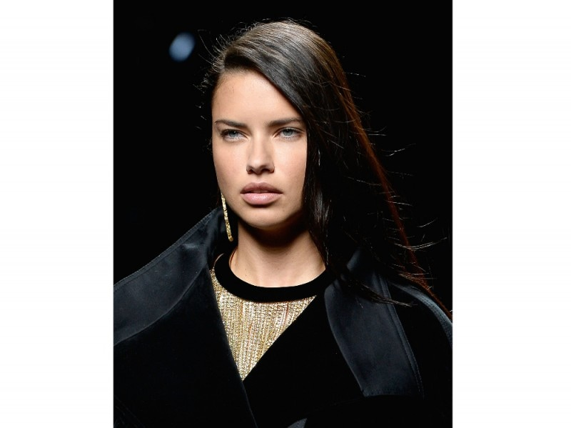 Adriana Lima Make Up 11