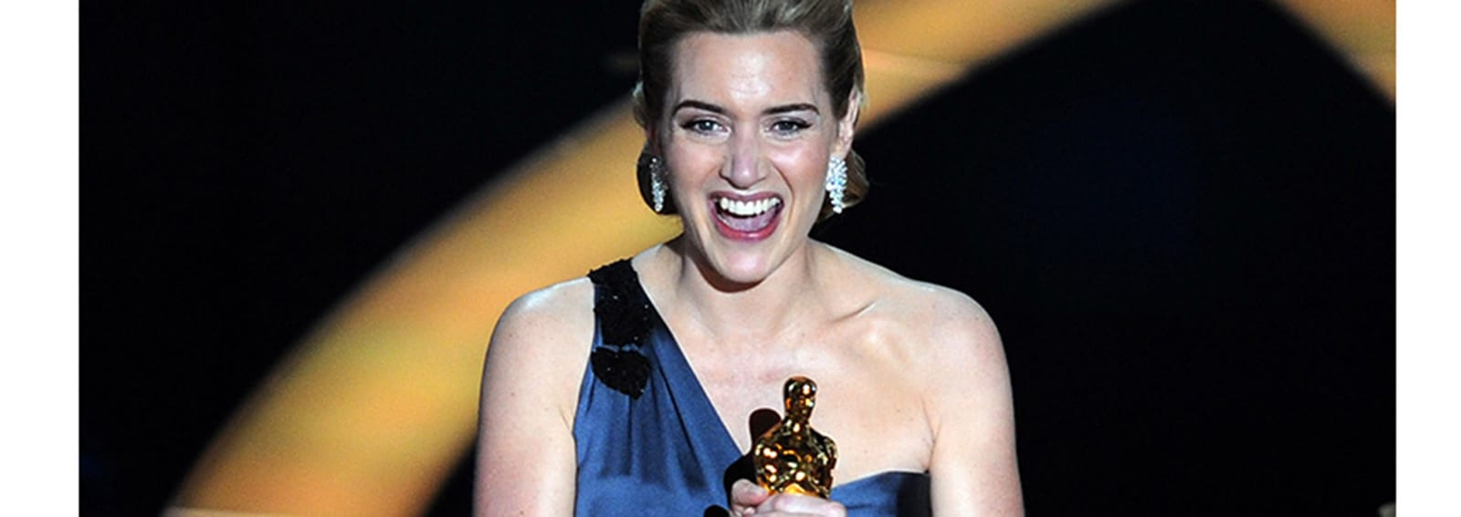 Winner of the Best Actress award Kate Wi