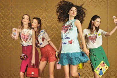 Dolce   Gabbana crea una capsule per gli innamorati 18cbb101863
