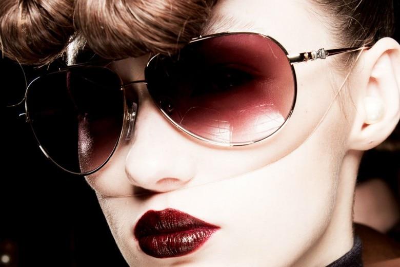 London Fashion Week: le tendenze beauty tra eyeliner, smokey eyes e manicure eccentriche