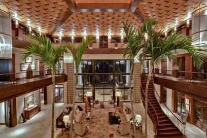 Gli interni della villa alle Isole Cayman