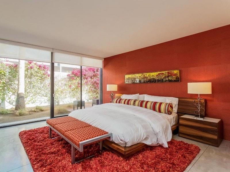 La camera da letto rossa
