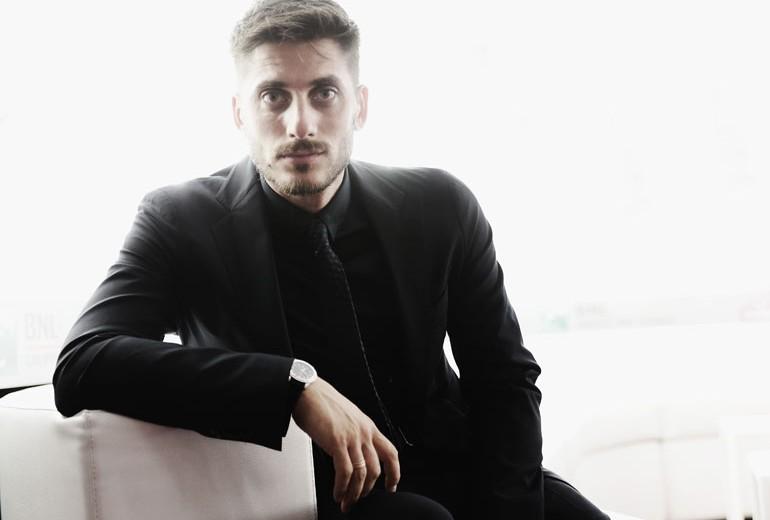 Luca Marinelli: «Mi fermo solo per amore»