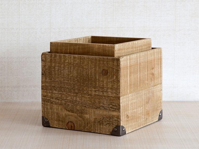 Scatola legno angoli metallo