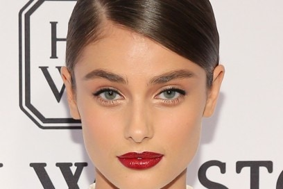 Taylor-Hill-beauty-look-1
