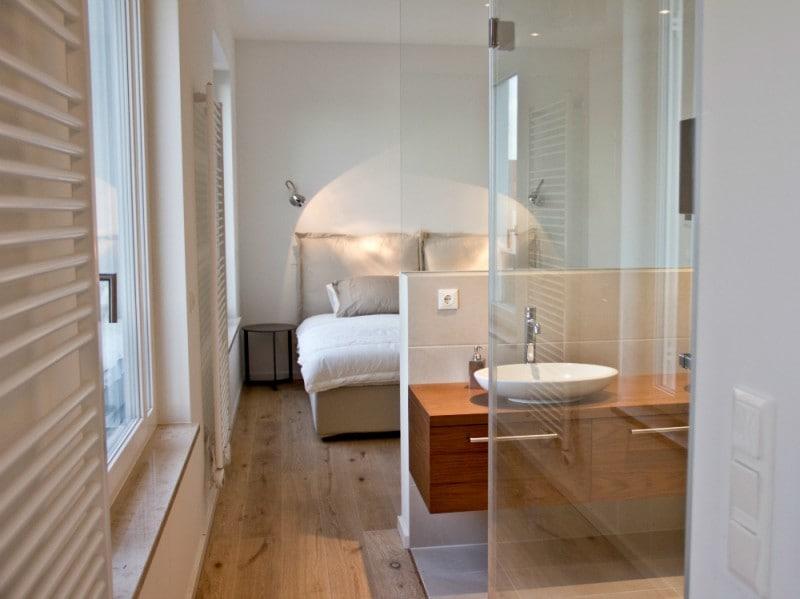 Berlino come arredare con la luce naturale - Bagno in camera ...