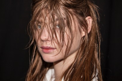 christopher-kane-autunno-inverno-2016-backstage-beauty-6