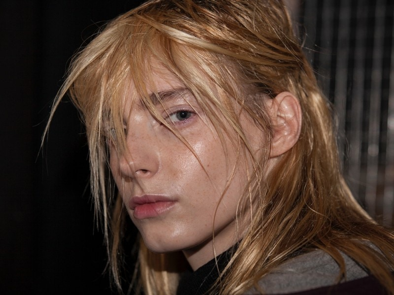 christopher-kane-autunno-inverno-2016-backstage-beauty-7