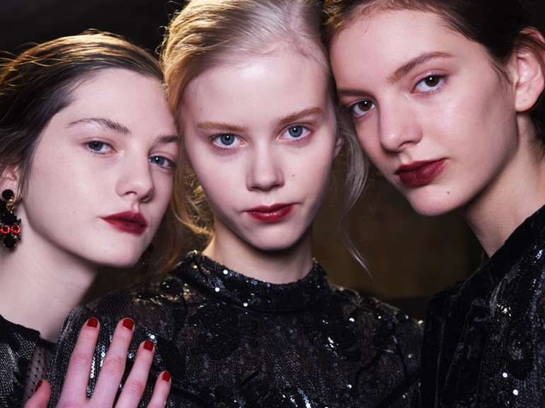 cover-erdem-autunno-inverno-2016-backstage-beauty-mobile