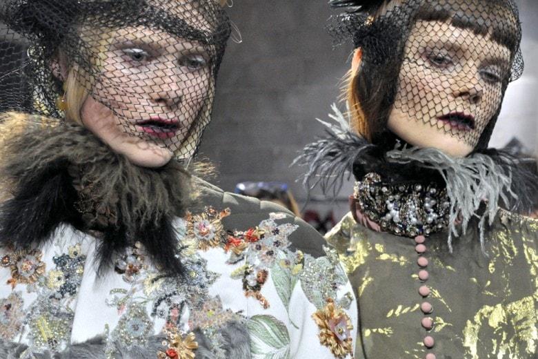 Antonio Marras A/I 2016: labbra dark per un beauty look vittoriano