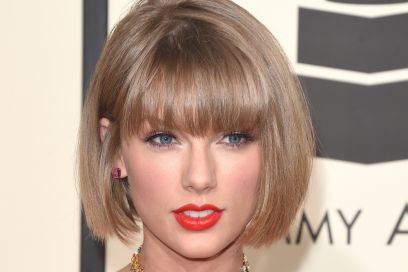 cover-taylor-swift-capelli-caschetto-grammy-awards-2016