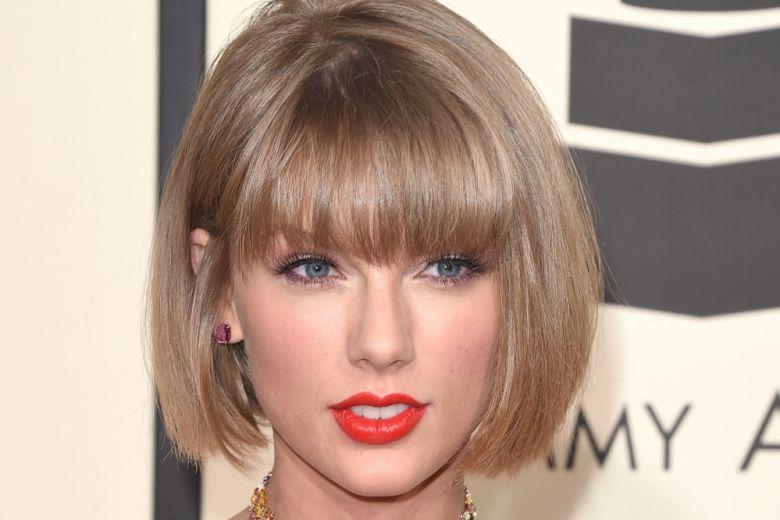 Taylor Swift sfoggia un caschetto perfetto ai Grammy Awards 2016